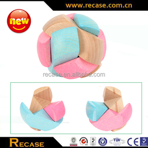Stained ball shape wooden interlocking puzzle toy