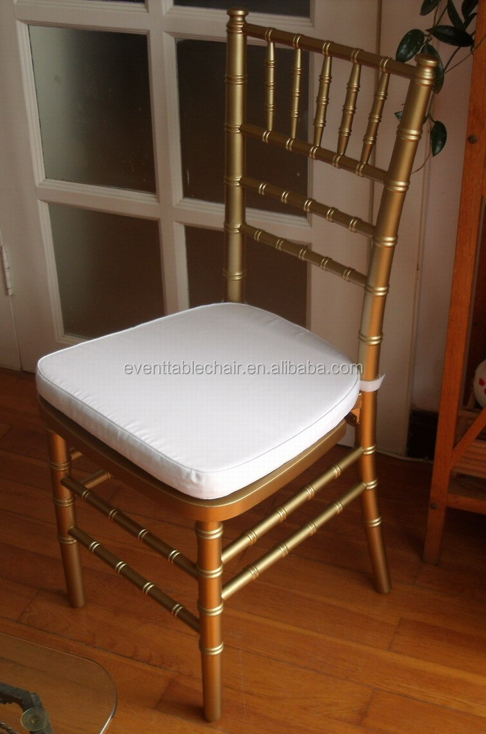 gold chiavari chair with soft cushion.JPG