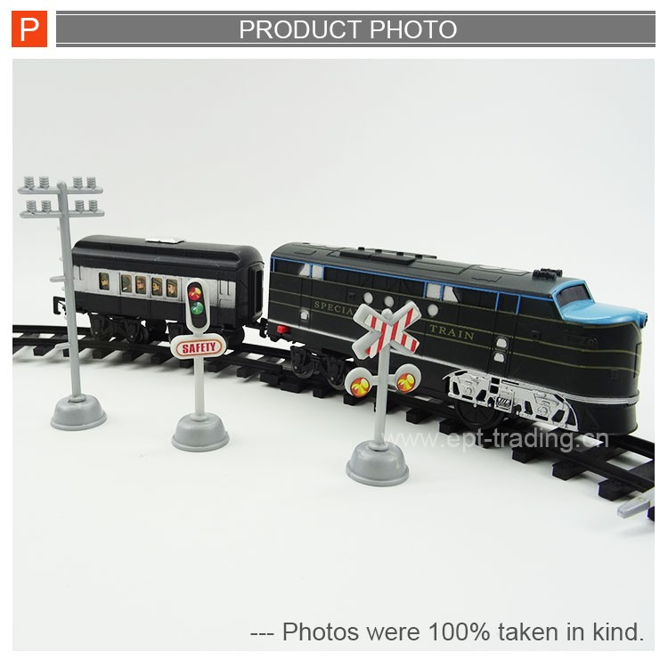 Battery operated railway train track set with sound &light