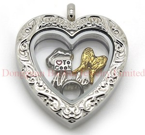 28.5*27.5MM Heart Living Carving Floating Locke Magnetic Open Heart Shaped Old Style Looking Filigree Pattern Glass Locket