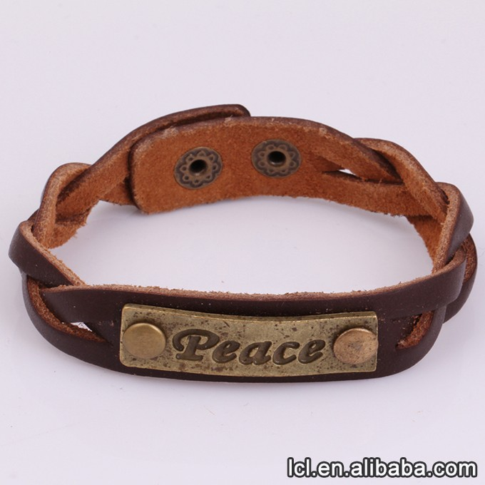 Cheap custom made metal bracelets, skull decoration adjustable bracelet