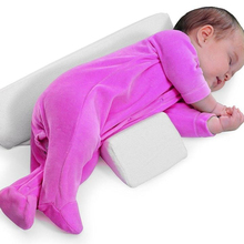 Verstelbare anti roll baby <span class=keywords><strong>slaap</strong></span> klepstandsteller kant <span class=keywords><strong>slaap</strong></span> ondersteuning foam wig kussen, baby kussen wedge