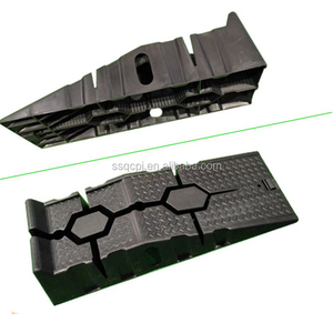 China supply Automobile 2.5 Ton car loading ramps in black color