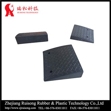 2016 New product Street Black Durable Rubber Road Loading Ramp