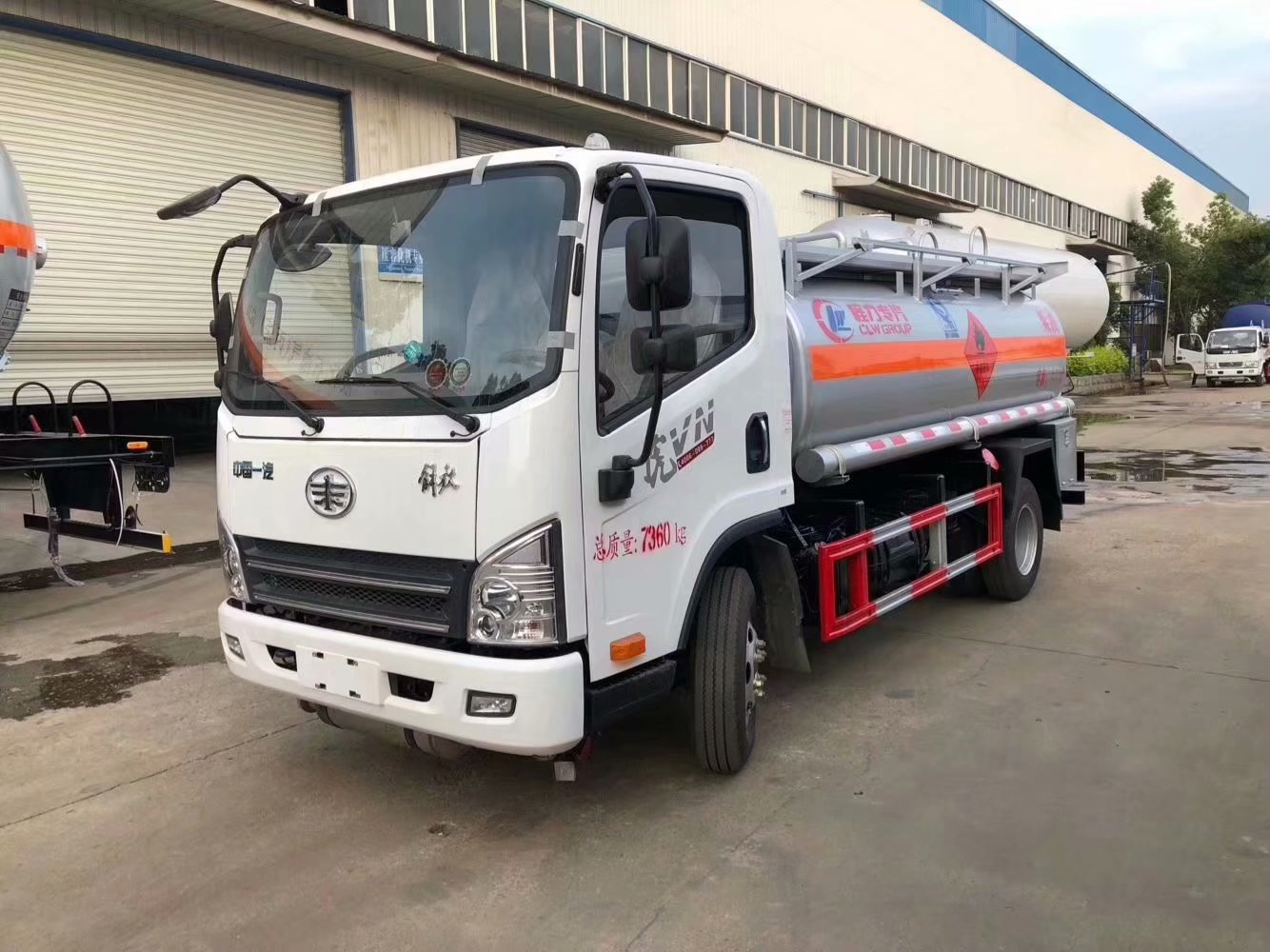Fuel Truck Wheels >> Faw Small Size 4x2 Type 6 Wheels 6000l Tank Capacity Oil Truck Fuel