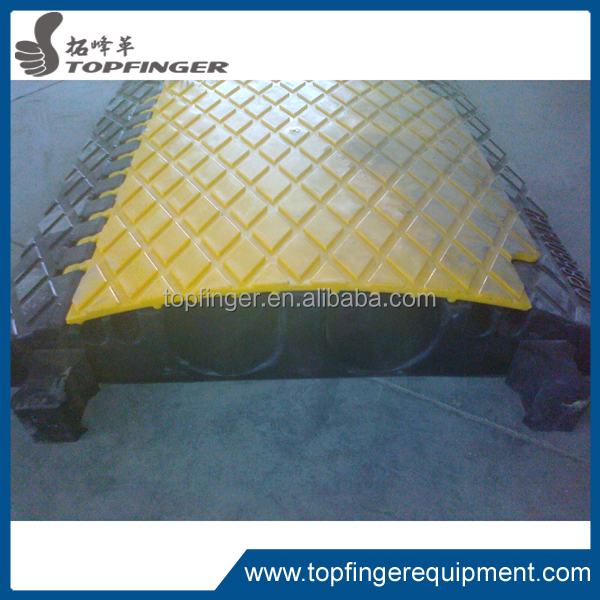 TFR rubber cover heavy loading cable ramp/speed hump
