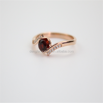 Popular Jewelry Simple Design Rose Gold Rings With Garnet Stone
