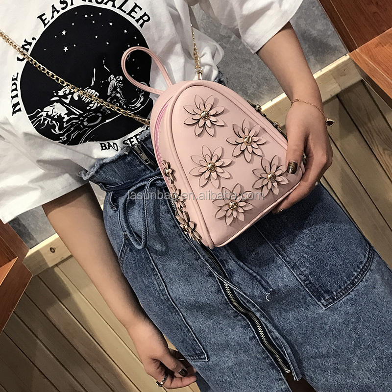 2017 Quilted <strong>Designs</strong> Small Flowers Cute Little Girls Leather Chain Sling Triangle Bags