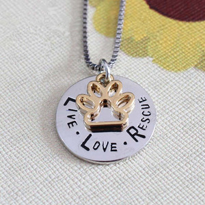 Factory Wholesale Pet Lover Dog Paw Print Live Love Rescue Dog Necklace Jewelry