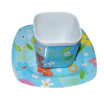 Creative lovely cartoon milk plastic cup with saucer