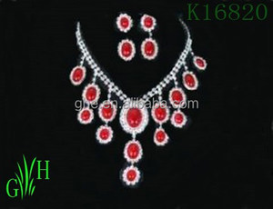 The European and American style yiwu necklace different necklace styles asian style necklace