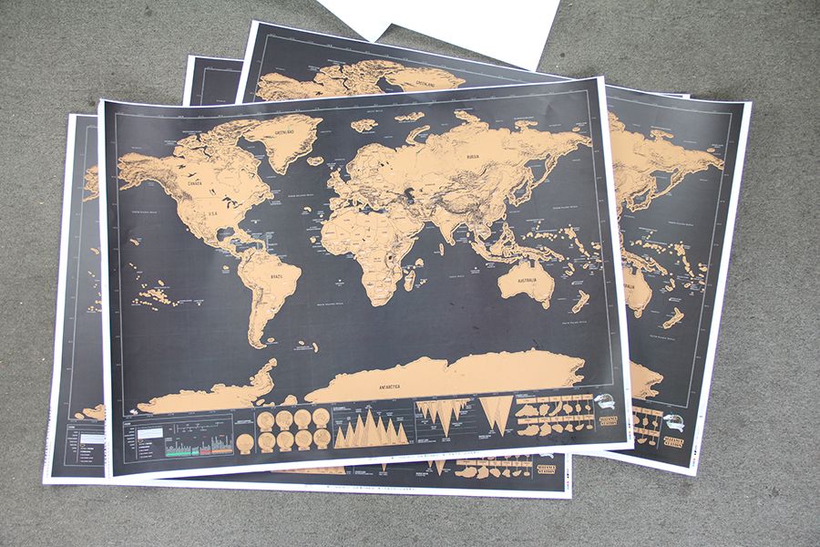 250g Coated Paper Material and 82.5*59.4cm Size Scratch off world map