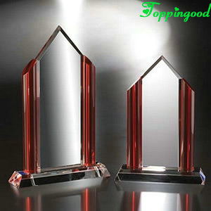 Red Edge Pointed Top Crystal Award For Business Year Reward