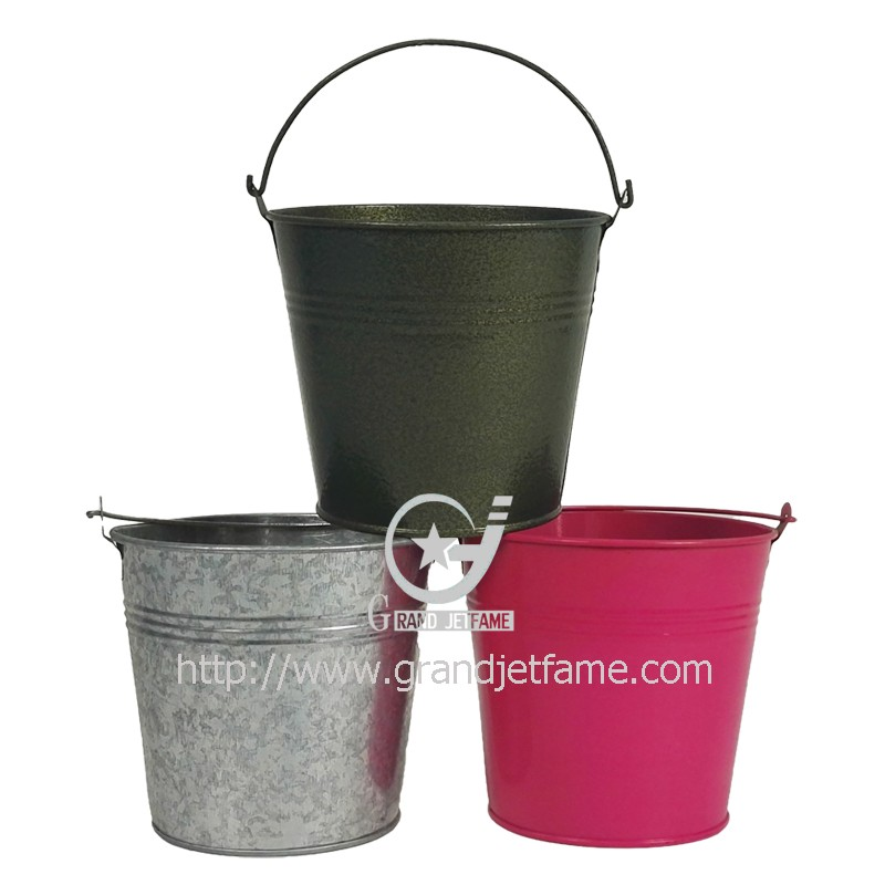 Garden containers mini metal buckets modern planter buy for Metal bucket planter