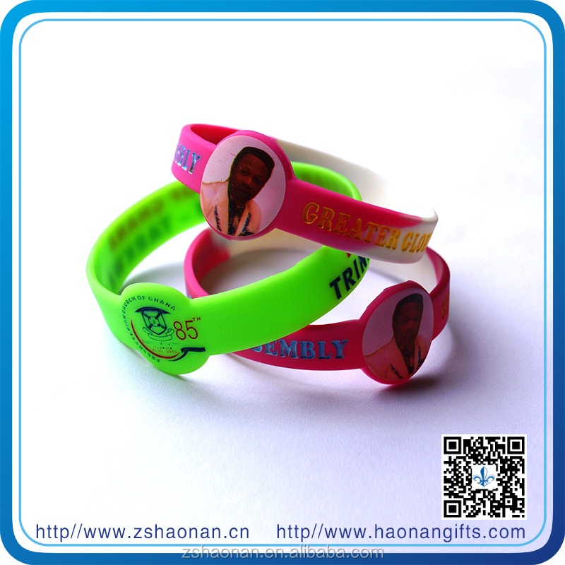 Manufacturer supplies colorful brand new silicone wristband for corporate anniversary gifts