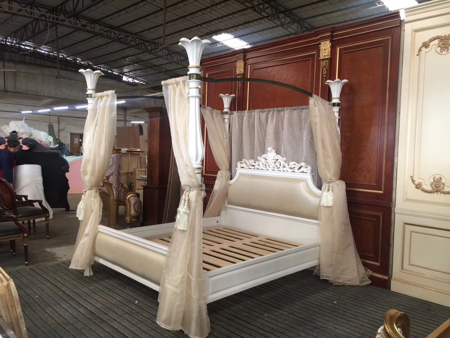 Solid Wood Canopy Bed Queen Size