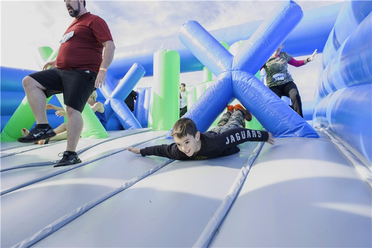 2017 World's Biggest Giant inflatable obstacle course for adults outdoor sport games