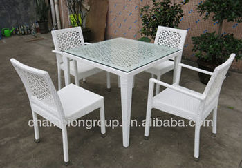 White Outdoor Garden PE Rattan Dining Table And Chairs Furniture