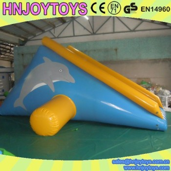 Summer Hot sale inflatable floating water slide/inflatable floating island with slide