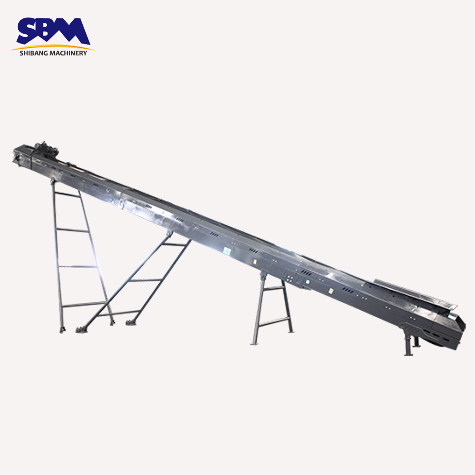 SBM widely used simple structure rubber crusher conveyor belts