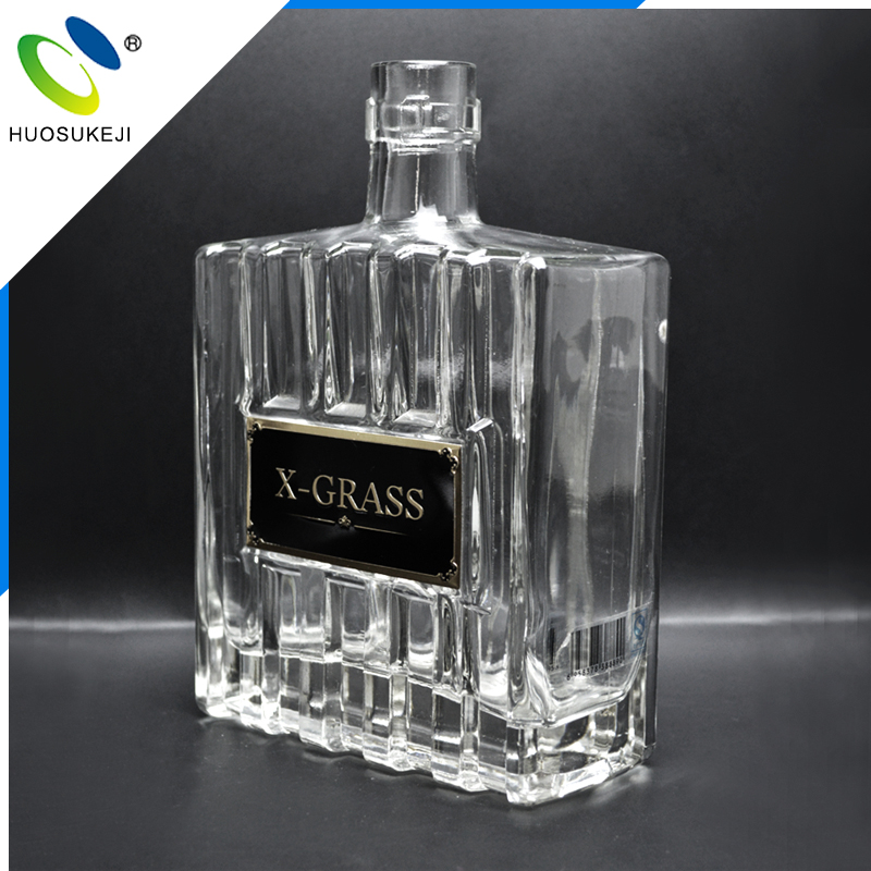 With advanced production lines sealing type foreign 500ml liquor or vodka or whisky glass bottle