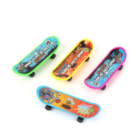 Mini kids 4pcs custom finger skateboard for halloween/mini finger scooter toys