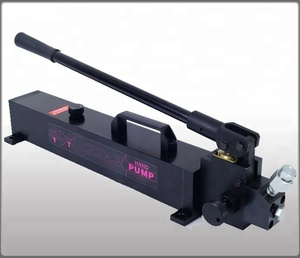 High pressure hydraulic hand pump