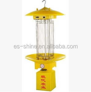 solar insect killer lamp pest killing lamp in vegetable garden to reduce chemical pesticide