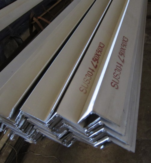 AISI SUS 304 food grade Stainless Steel angle Bar 50x50 75x75