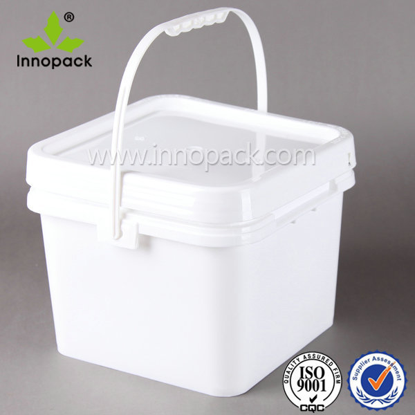 White Rectangular Plastic Bucket With Lid And Plastic