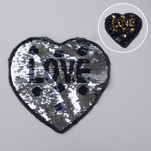 Appliques AMORE <span class=keywords><strong>patch</strong></span> di paillettes materiale glitter <span class=keywords><strong>patch</strong></span> per l'indumento