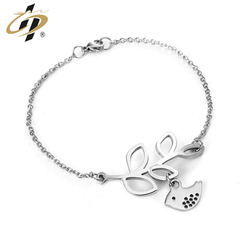 Shuanghua customized cheap titanium steel metal silver charm bracelets for women