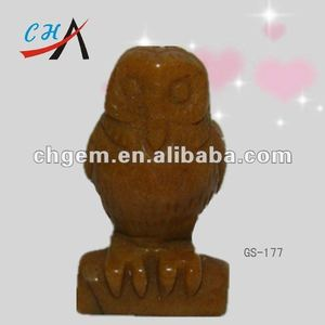 gemstone&old topaz owl carving