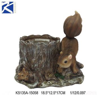 Outdoor Garden Ornament Small Resin Squirrel Statue
