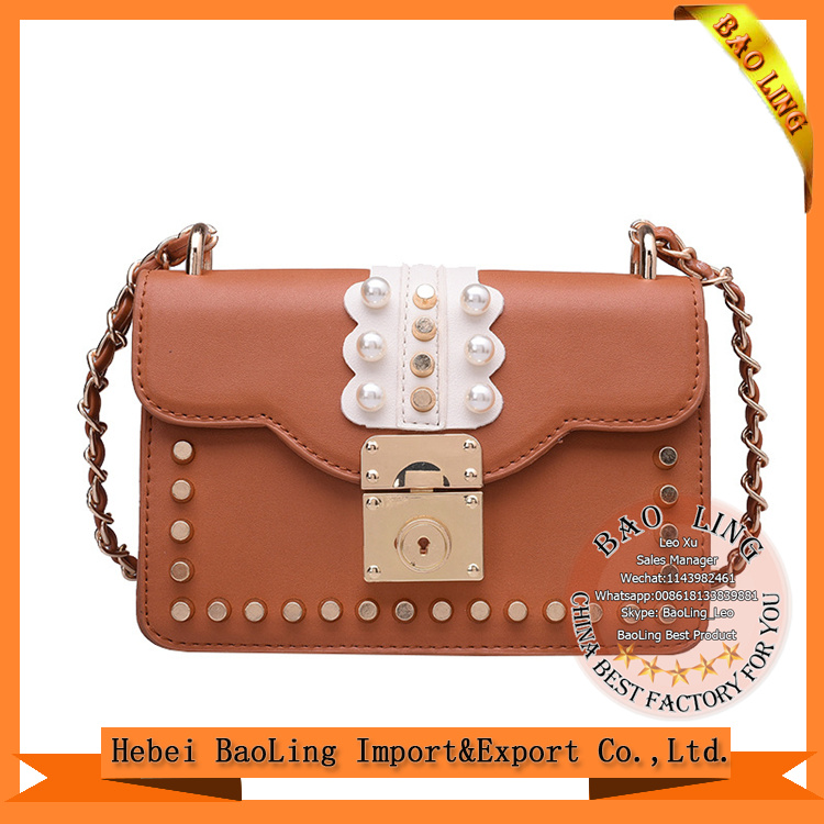 2017 Korean multi color lock small square summer new pearl rivets Chain casual shoulder Messenger bag