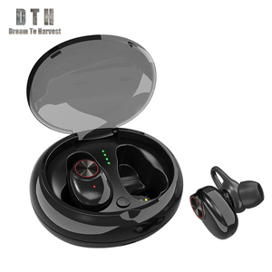 2019 New Amazon Hot super bass stereo earphones high quality new duck earphones mini radio earphones