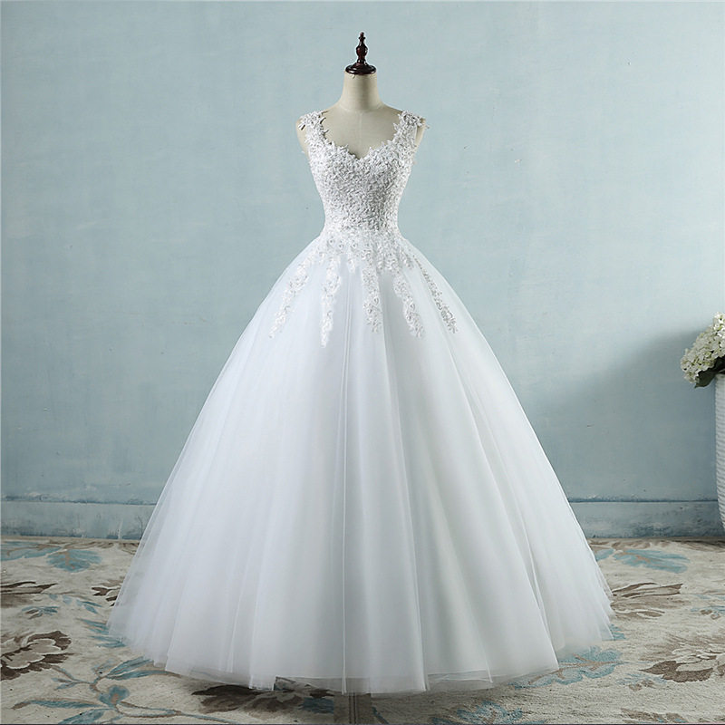 Real Photo Wedding Dress Sexy Backless Handcraft Pearls Spaghetti Strap V-neck Appliqued Lace Lace up Ball Gown Wedding Dress