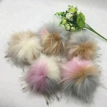 Trova le migliori pon pon pelliccia ecologica Produttori e pon pon pelliccia  ecologica per italian Speaker Mercato in alibaba.com 4e239d6c9928