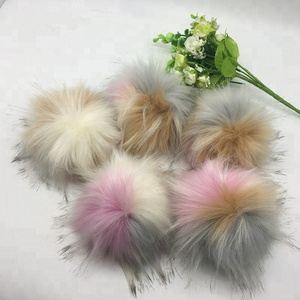 Quick Delivery Pink Gray White Mixed Colors Faux Fur Pom Poms Snap On Fluffy Vegan Fur Ball Detachable Faux Fur Pompoms
