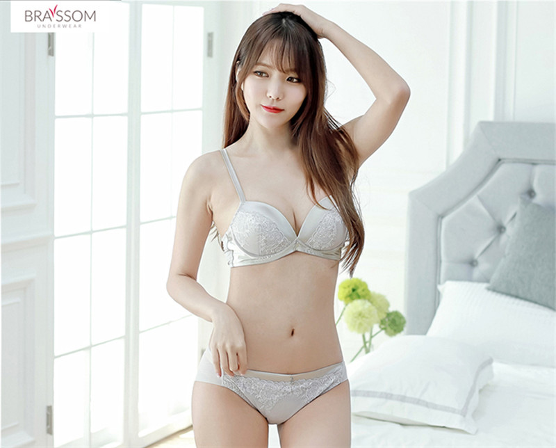Wholesale Ladies Custom Made Young Girl Seamless Fitness Hot Sex Genie Sexy Women Bra