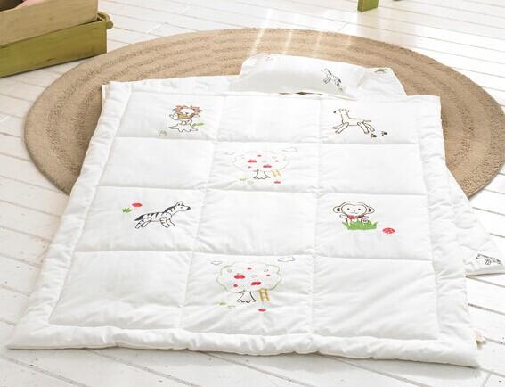China White Baby Quilt, China White Baby Quilt Manufacturers and ... : organic baby quilt - Adamdwight.com