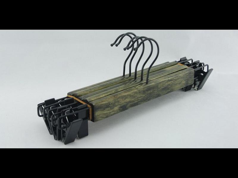 pas cher en bois cintres promotion achetez des pas cher en bois cintres promotionnels sur. Black Bedroom Furniture Sets. Home Design Ideas