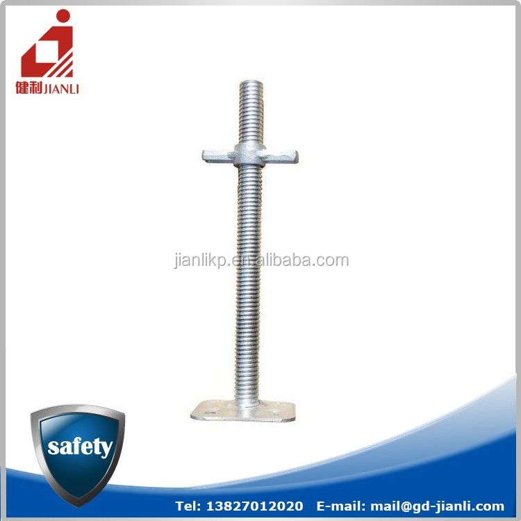 High strength adjustable scaffolding leg for supporting