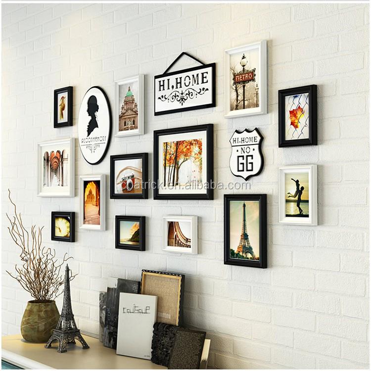 Комплект рамок для фотографий на стену