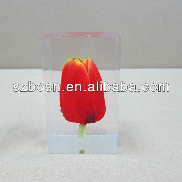 Custom Acrylic Oil Drop Paperweight Lucite Paperweight Factory       World Global Gifts