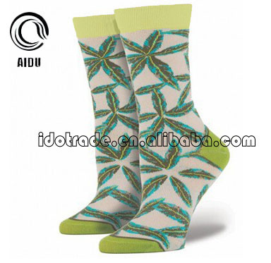 Leaf Jacquard Custom Design Made Wholesale Custom Socks Unsex/Man Sock/China Custom Sock Manufacturer Ow