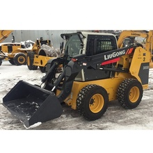CLG385B liugong <span class=keywords><strong>skid</strong></span> steer <span class=keywords><strong>loader</strong></span> con dell'aratro di neve