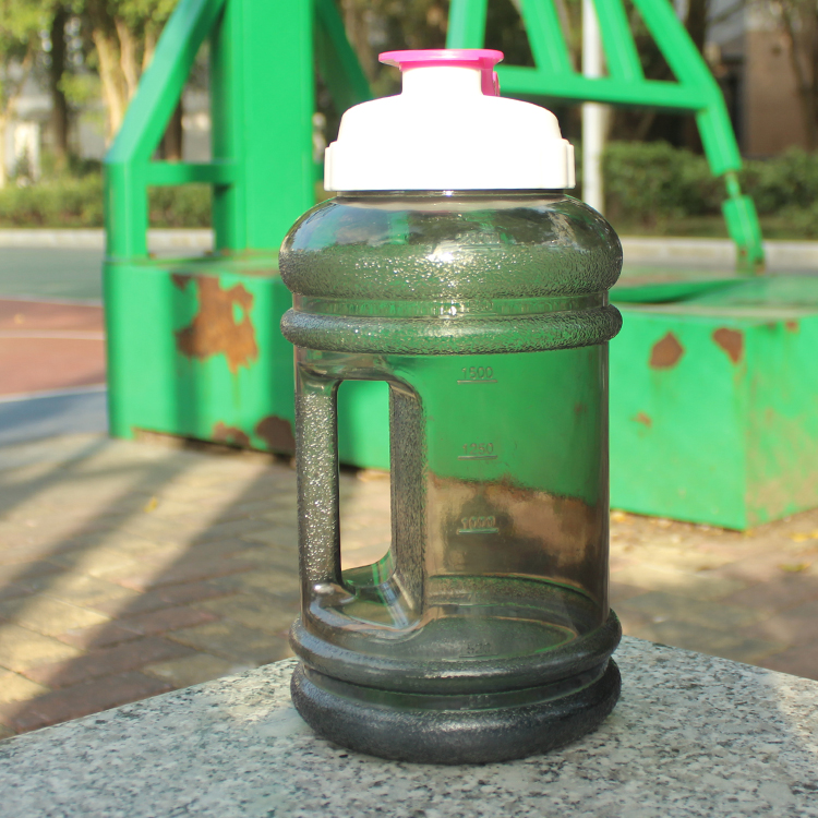 High Quality Outdoor Gear Manufacture Flat Plastic Water Bottles Wholesales