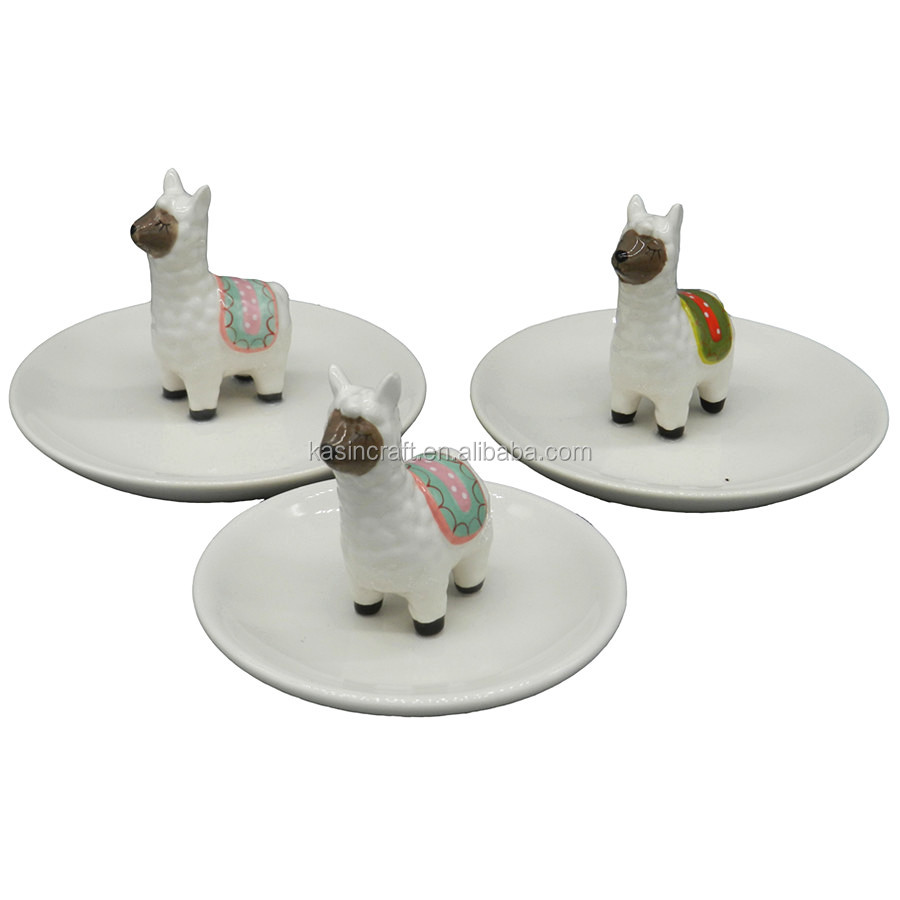 Hot Sale Mini Cartoon Alpaca Shape Ceramic Jewelry Holder With Round Tray