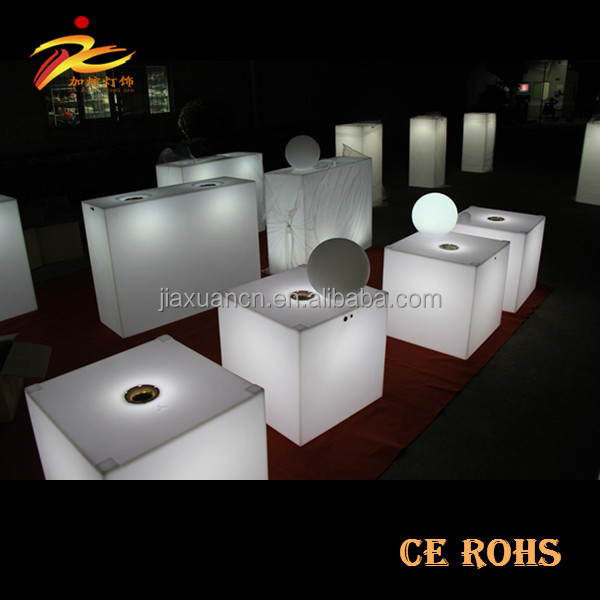 Rechargeable colour changing 10cm to 100cm rotational PE plastic outdoor cube seating